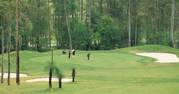 8 amazing Australian golf courses you must play - image 3rparty-big4-image4 on https://www.deltafinancialgroup.com.au